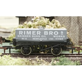 4F-032-001  OO Gauge Rectangular Tank Rimer Bros