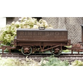 4F-032-002  OO Gauge Rectangular Tank Rimer Bros Weathered