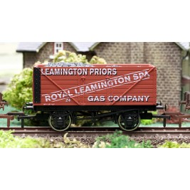 4F-080-003 OO Gauge 8 Plank Wagon  Leamington Spa