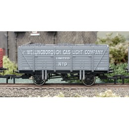 B878 OO Gauge 9 Plank Wagon  Wellingborough Gas