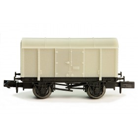 2F-013-000 N Gauge Unpainted Wagon  Gunpowder Van