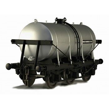 7F-031-004 O Gauge 6 Wheel Milk Tanker United Creameries