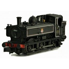 2S-007-018  N Gauge Pannier 8763 BR Lined Black Early Crest Later cab