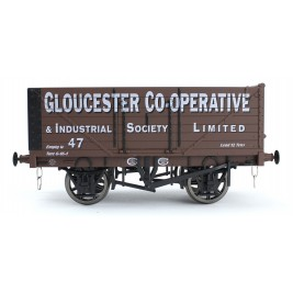 7F-071-025 O Gauge 7 Plank Open Wagon   Gloucester CoOp 47