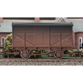 4F-015-004 OO Gauge Fruit Mex #B833347 Weathered