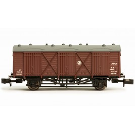 2F-014-005 N Gauge Fruit D #2876 GWR SHIRTBUTTON GWR BROWN