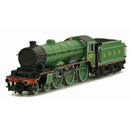 2S-020-003 N Gauge B17  Manchester City  LNER Apple Green 2871